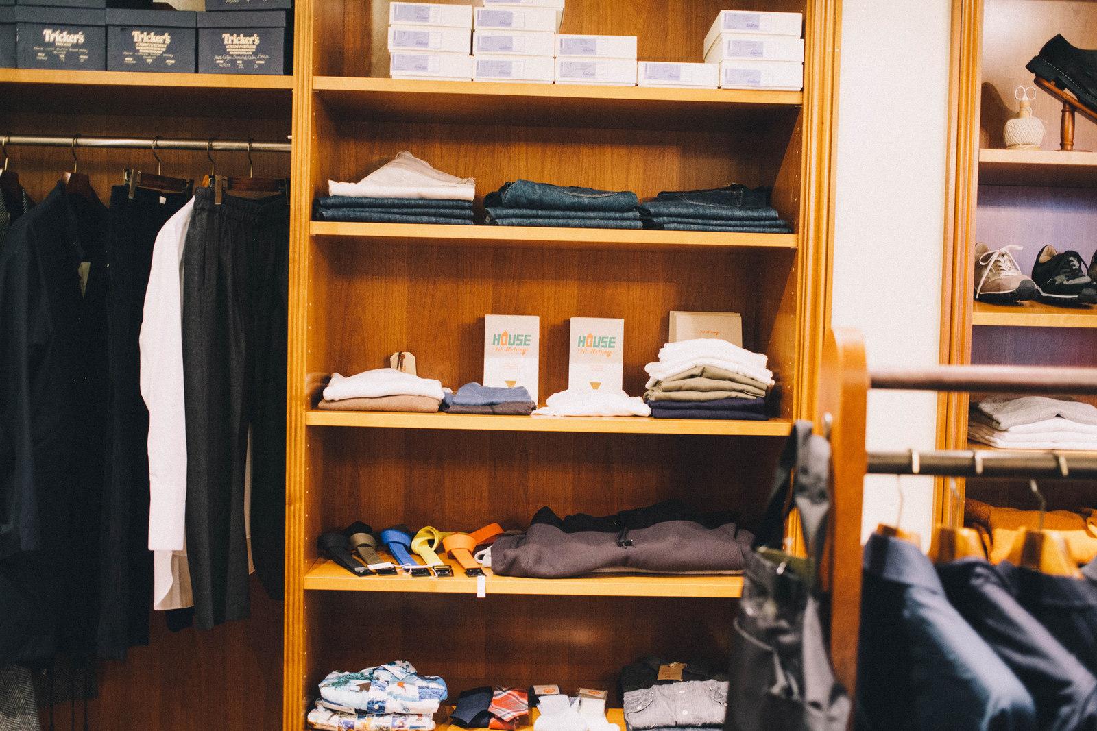 代々木上原のセレクトショップ バーニッシュ 店内の様子 棚にはフィルメランジェ