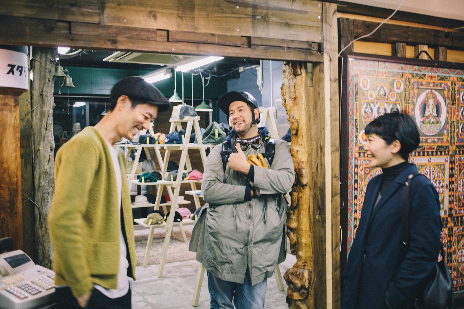 代々木上原の帽子屋 スタジオトムス淺野さんと友人