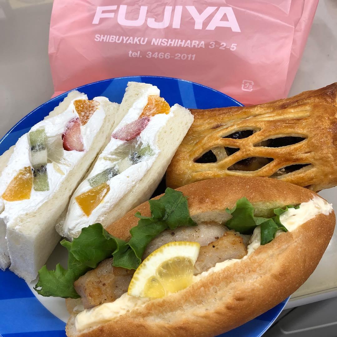 fujiya1